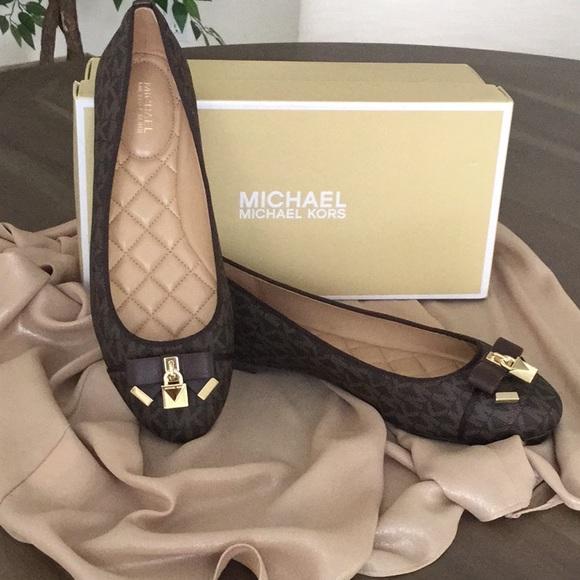 78a0fede610 Michael Kors MK Logo Alice Ballet Flats Sz 8M NIB